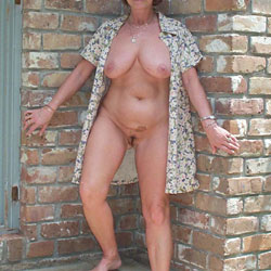 Domino Outside, Naked! - Nude Girls, Big Tits, Outdoors, Amateur