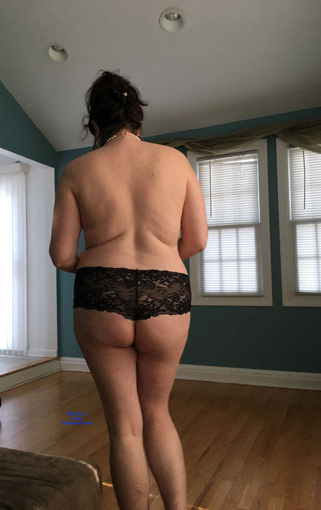 Pic #7 New Guy Really Wants To Have Me - Topless Wives, Big Tits, Brunette, Mature, Amateur