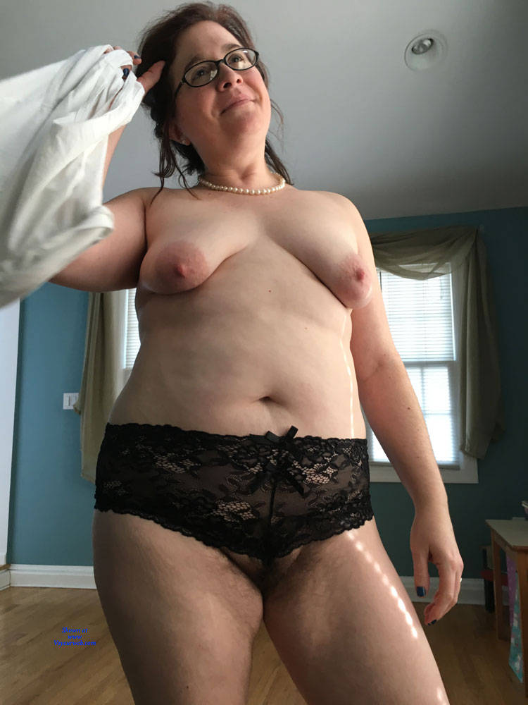 Pic #8 New Guy Really Wants To Have Me - Topless Wives, Big Tits, Brunette, Mature, Amateur