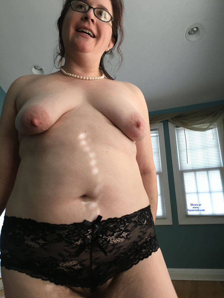 Pic #9 New Guy Really Wants To Have Me - Topless Wives, Big Tits, Brunette, Mature, Amateur