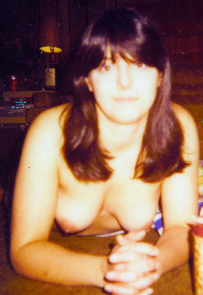 Pic #2 Vintage Sexy MILF - Nude Girls, Brunette, Bush Or Hairy, Amateur