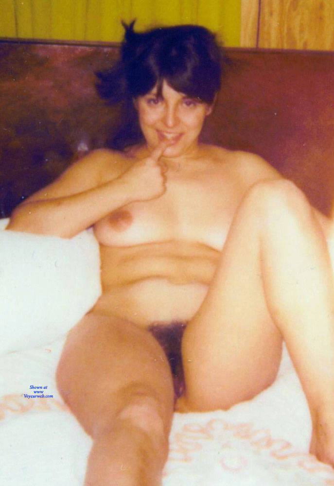 Pic #7 Vintage Sexy MILF - Nude Girls, Brunette, Bush Or Hairy, Amateur