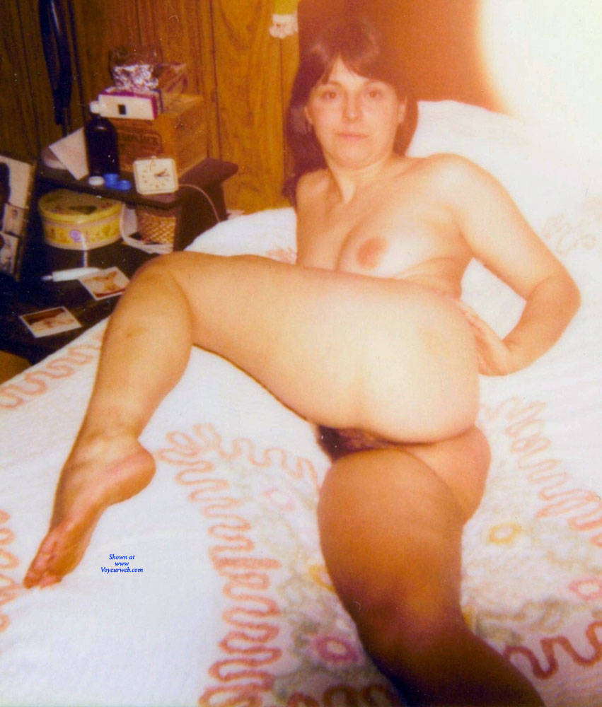 Pic #6 Vintage Sexy MILF - Nude Girls, Brunette, Bush Or Hairy, Amateur