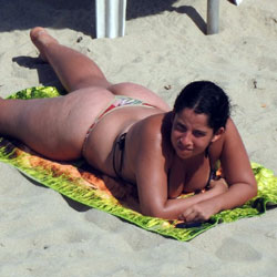 Big Ass On Beach - Beach, Brunette, Outdoors, Bikini Voyeur
