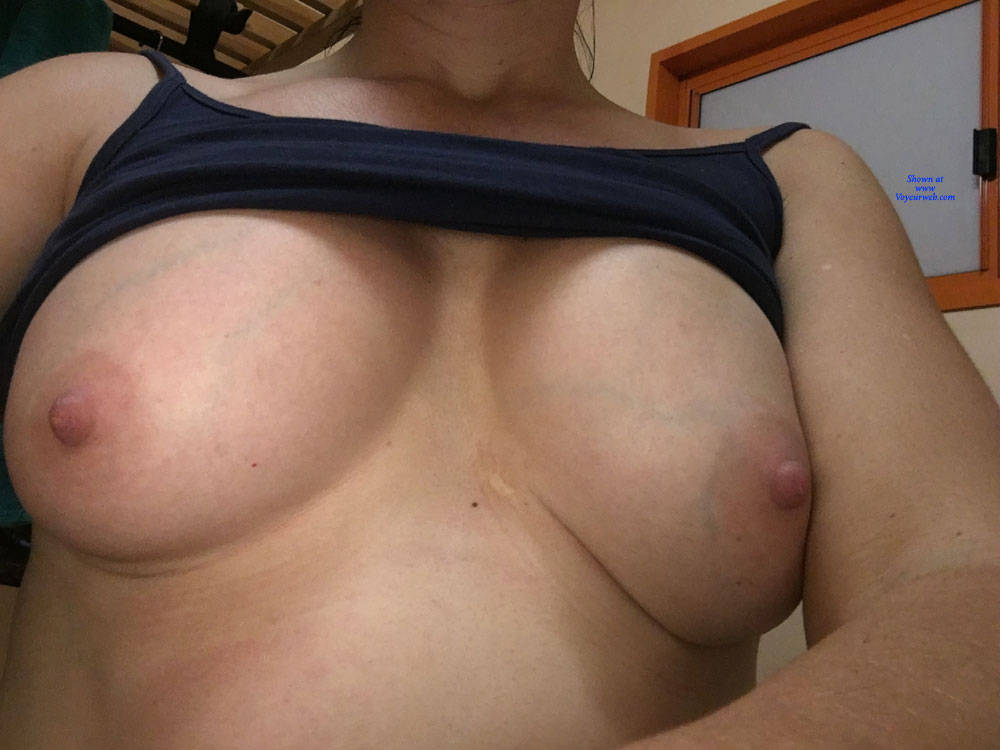 Pic #1 Horny - Nude Girls, Big Tits, Mature, Amateur