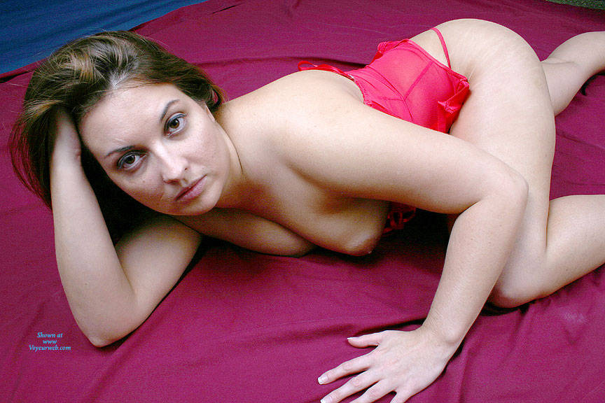 Pic #1 Sexy Red - Brunette, Lingerie, Amateur