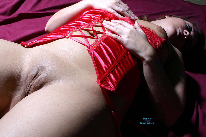Pic #5 Sexy Red - Brunette, Lingerie, Amateur
