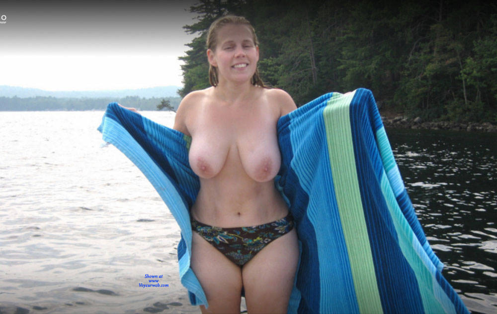 Pic #2 Jenny Girl Exposed - Nude Girls, Big Tits, Outdoors, Amateur
