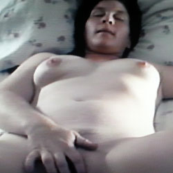 Wife Fingering Herself - Nude Wives, Brunette, Masturbation, Bush Or Hairy, Amateur, fingering pics