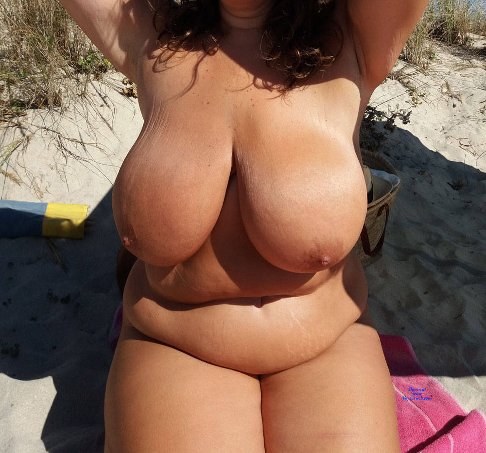 Pic #2 Naked On The Beach - Nude Girls, Beach, Big Tits, Outdoors, Amateur