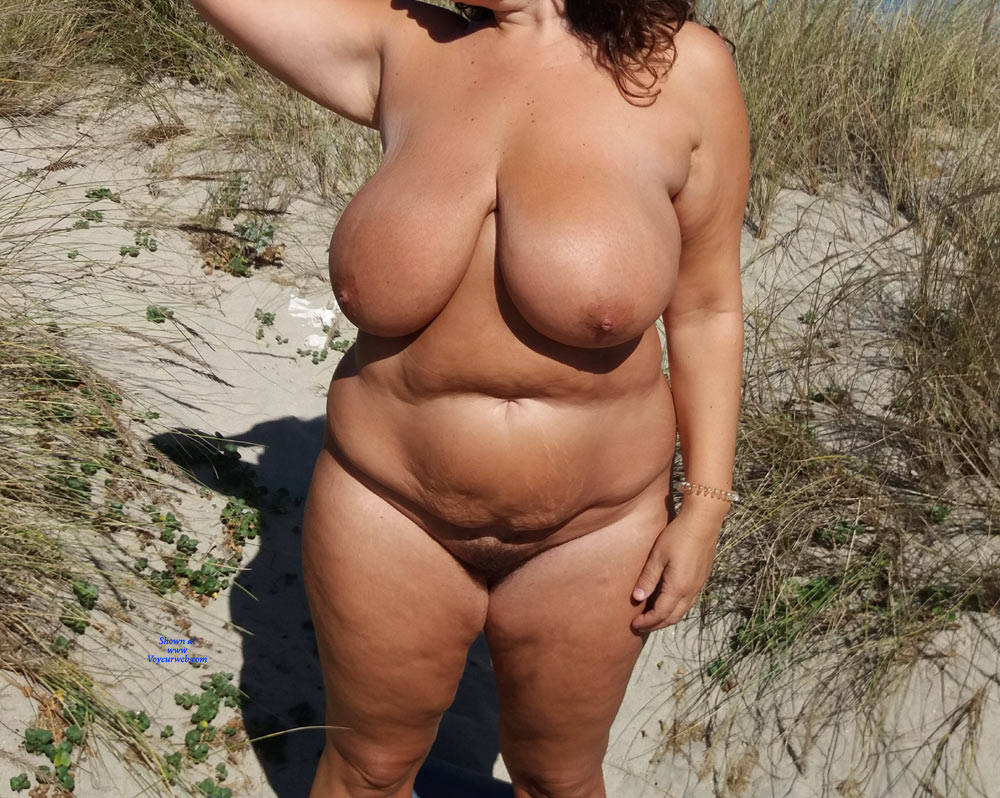 Pic #3 Naked On The Beach - Nude Girls, Beach, Big Tits, Outdoors, Amateur