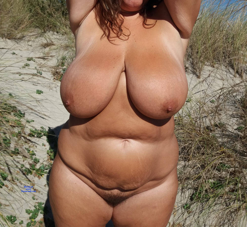 Pic #4 Naked On The Beach - Nude Girls, Beach, Big Tits, Outdoors, Amateur