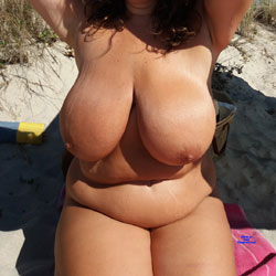 Naked On The Beach - Nude Girls, Beach, Big Tits, Outdoors, Amateur
