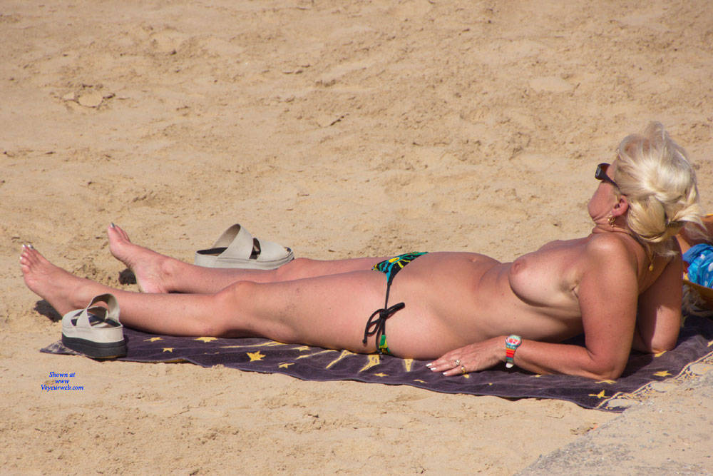 Pic #6 On The French Coast - Topless Girls, Beach, Big Tits, Outdoors, Beach Voyeur