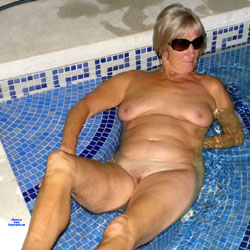 Queen Anne Skinny Dipping - Nude Girls, Mature, Outdoors, Amateur