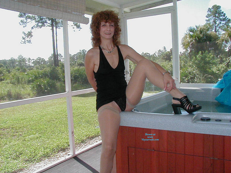 Pic #3 Playing Outside - Lingerie, Redhead, Amateur, Stockings Pics, High Heels Amateurs, Dressed