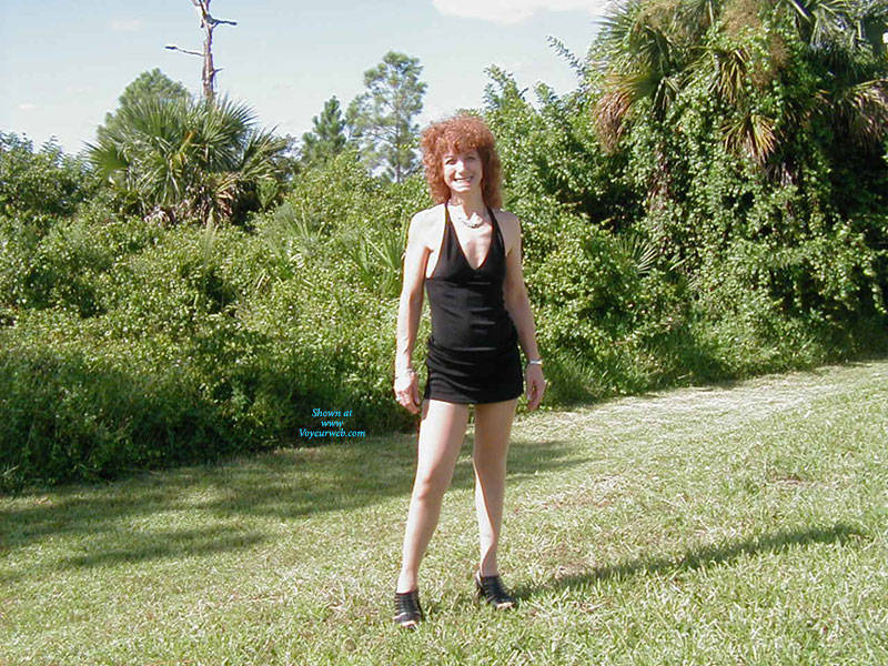 Pic #9 Playing Outside - Lingerie, Redhead, Amateur, Stockings Pics, High Heels Amateurs, Dressed