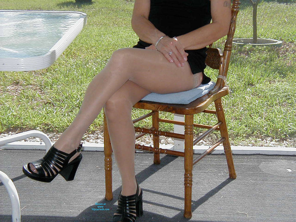 Pic #5 Playing Outside - Lingerie, Redhead, Amateur, Stockings Pics, High Heels Amateurs, Dressed