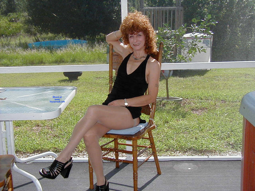 Pic #7 Playing Outside - Lingerie, Redhead, Amateur, Stockings Pics, High Heels Amateurs, Dressed