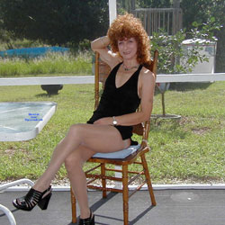Playing Outside - Lingerie, Redhead, Amateur, Stockings Pics, High Heels Amateurs, Dressed
