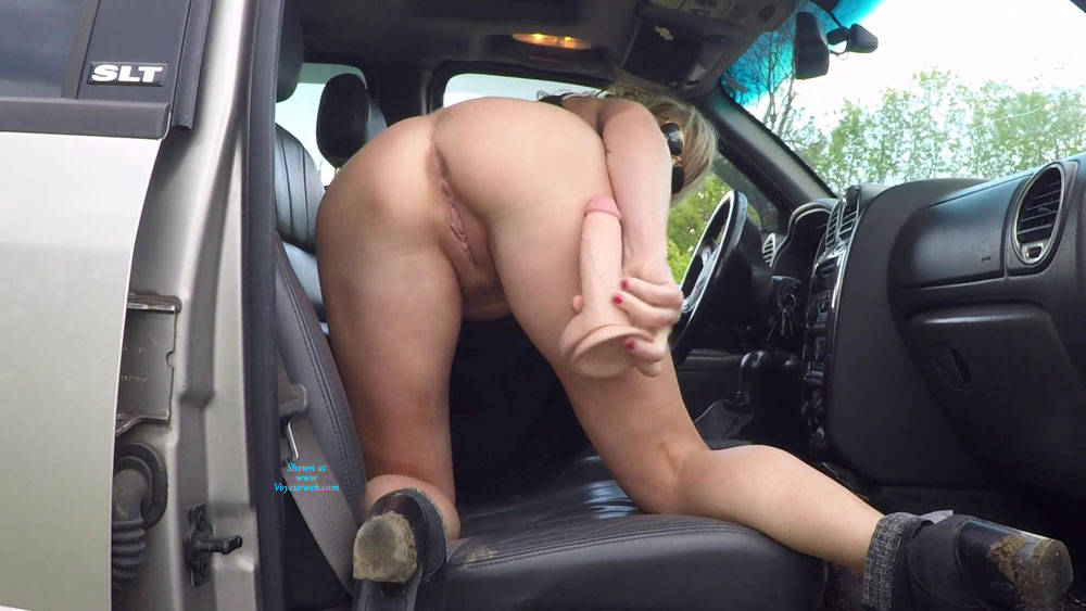 Pic #2 Nude In Public Pussy And Ass - Pantieless Wives, Public Exhibitionist, Flashing, Public Place, Amateur