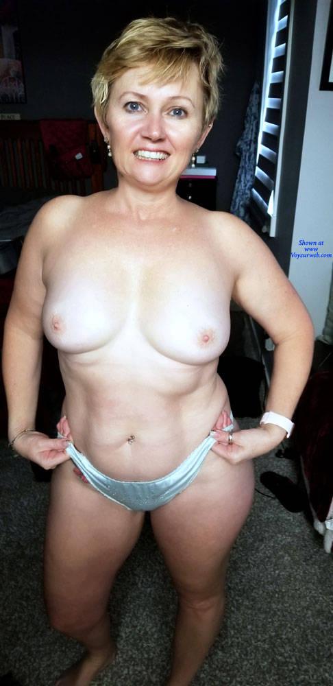 Pic #1 Random Wife Pics - Topless Wives, Big Tits, Mature, Amateur