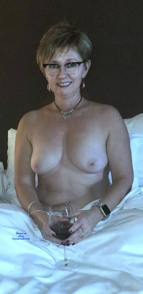 Pic #2 Random Wife Pics - Topless Wives, Big Tits, Mature, Amateur