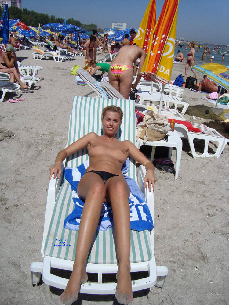 Pic #5 Topless In Spiaggia - Topless Girls, Beach, Brunette, Outdoors