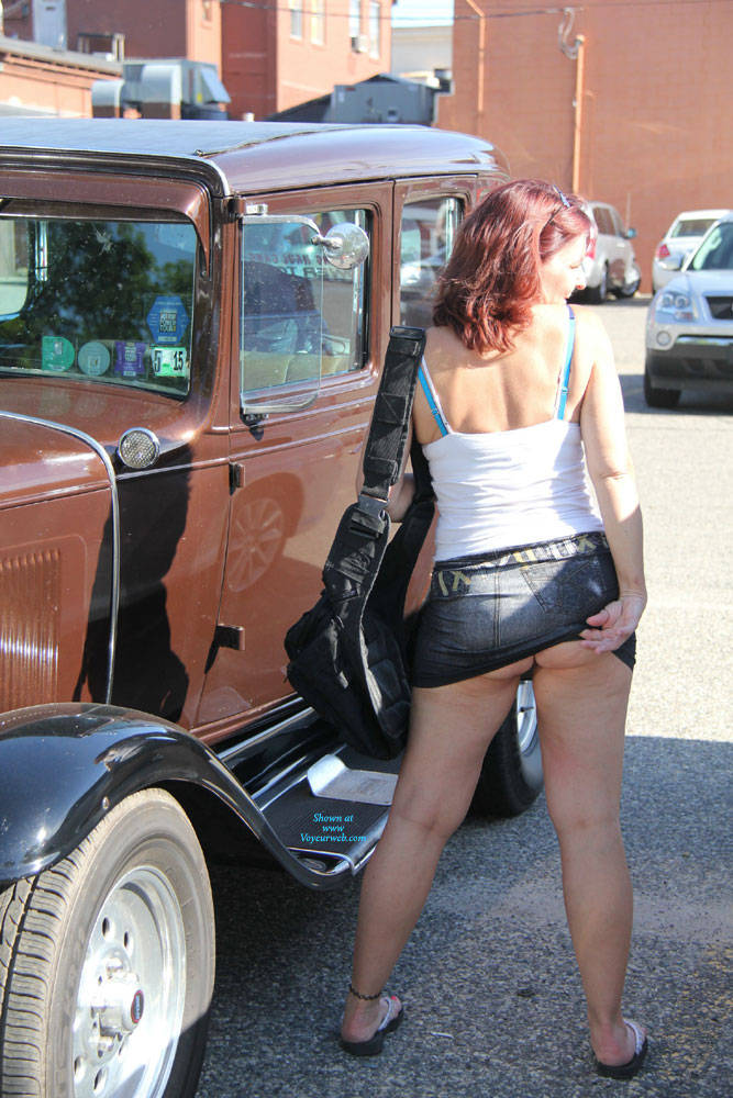Pic #6 Tesa On The Street - Pantieless Girls, Public Exhibitionist, Flashing, Outdoors, Public Place, Amateur