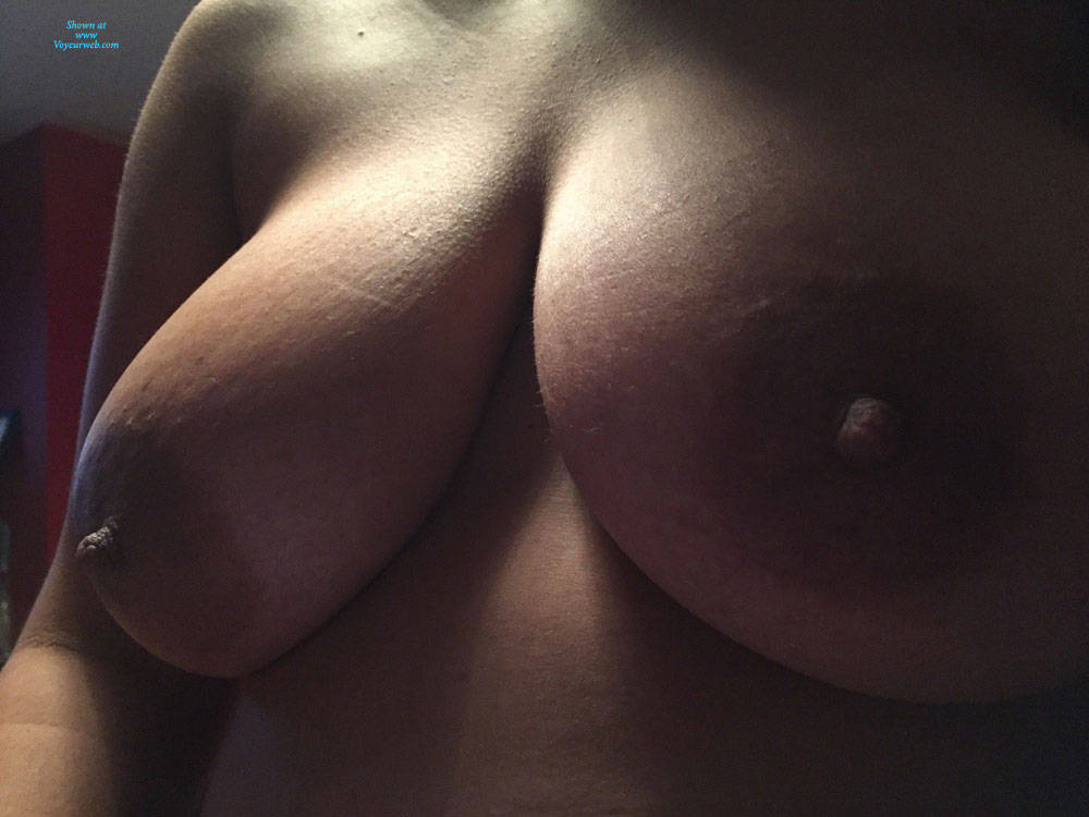 Pic #8 Sexy Tits - Nude Wives, Big Tits, Mature, Amateur