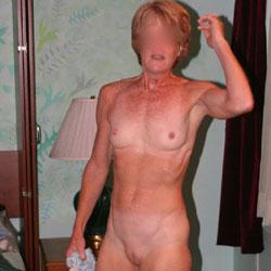 Redheaded Milf - Nude Girls, Mature, Redhead, Shaved, Amateur, Medium Tits