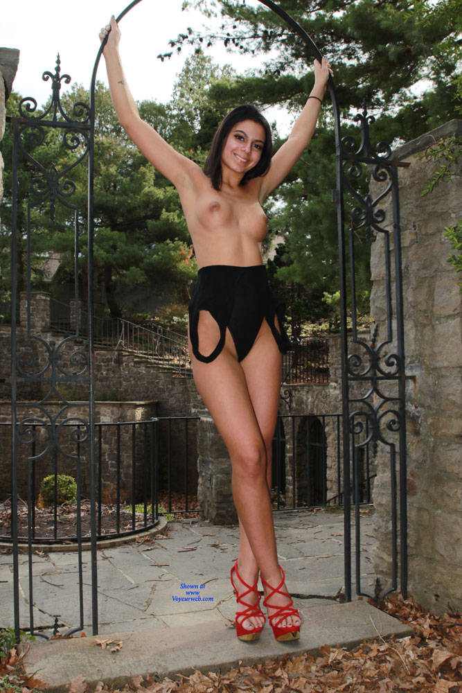 Pic #1 Sierra At The Entrance Of The Hidden Garden - Nude Girls, Brunette, High Heels Amateurs, Outdoors, Shaved