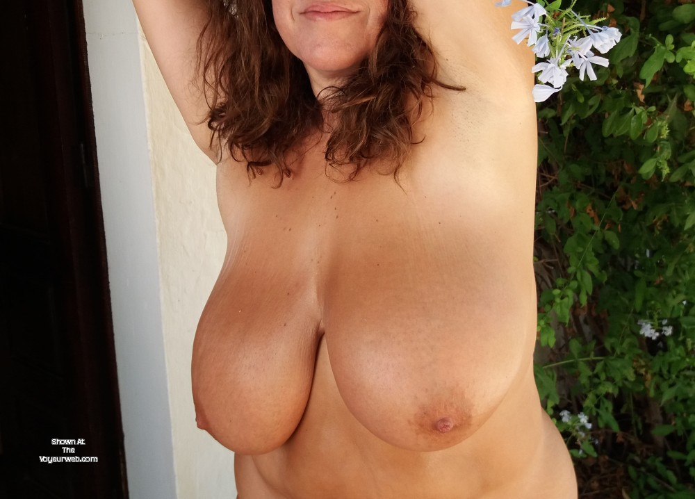 Pic #1 My very large tits - Vanessa