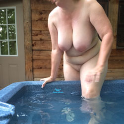 Vacation Outdoor Hot Tub - Nude Wives, Big Tits, Outdoors, Amateur