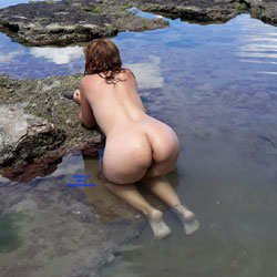Enjoying The Sea Water - Nude Girls, Outdoors, Amateur