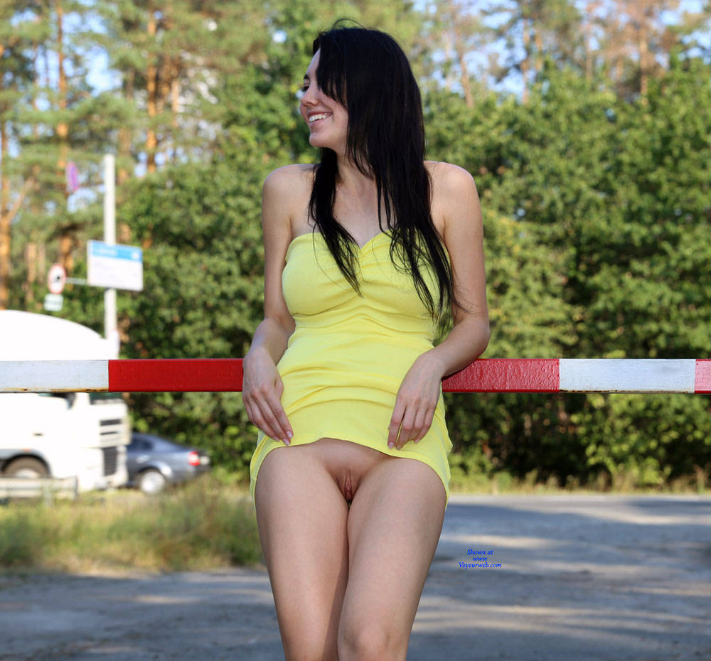 Pic #4 More Fun For Drivers - Nude Girls, Big Tits, Brunette, Public Exhibitionist, Flashing, Outdoors, Public Place, Shaved, Amateur, Firm Ass