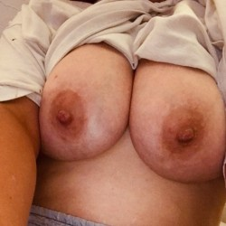 Large tits of my wife - Llee a