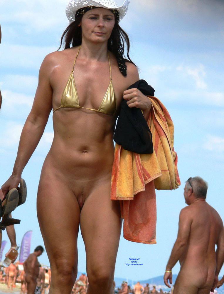 Pic #4 Sunny Nude Beach - Nude Girls, Beach, Brunette, Outdoors, Shaved, Beach Voyeur