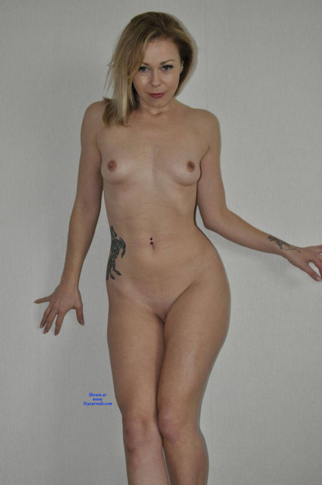 Pic #1 Homeshoot - Nude Girls, Shaved, Amateur, Medium Tits, Tattoos