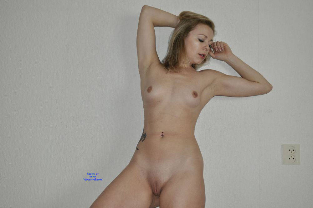 Pic #3 Homeshoot - Nude Girls, Shaved, Amateur, Medium Tits, Tattoos