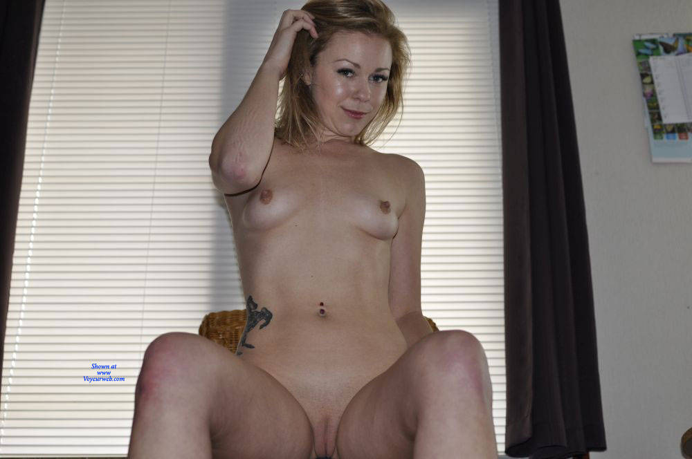 Pic #5 Homeshoot - Nude Girls, Shaved, Amateur, Medium Tits, Tattoos
