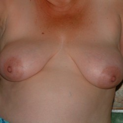 My medium tits - Naddy