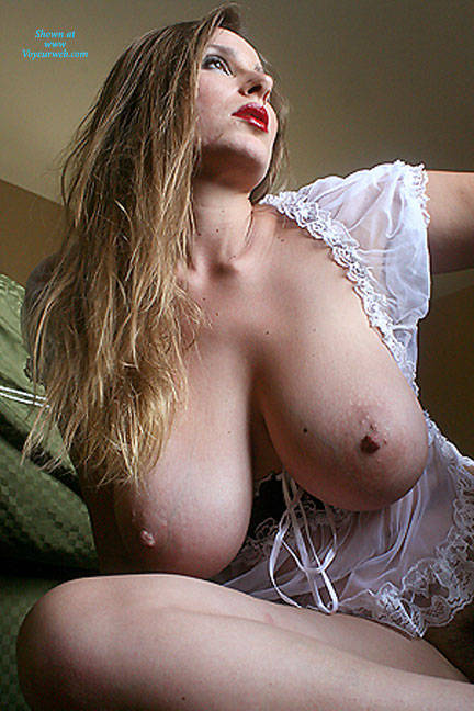 Pic #8 White Breasts - Big Tits, Bush Or Hairy, Amateur