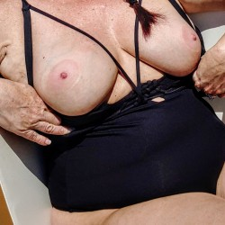 Large tits of my wife - Red4u