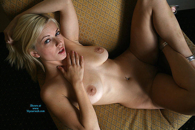 Pic #5 Breasts In Yellow Chair - Nude Girls, Big Tits, Blonde, Shaved, Amateur