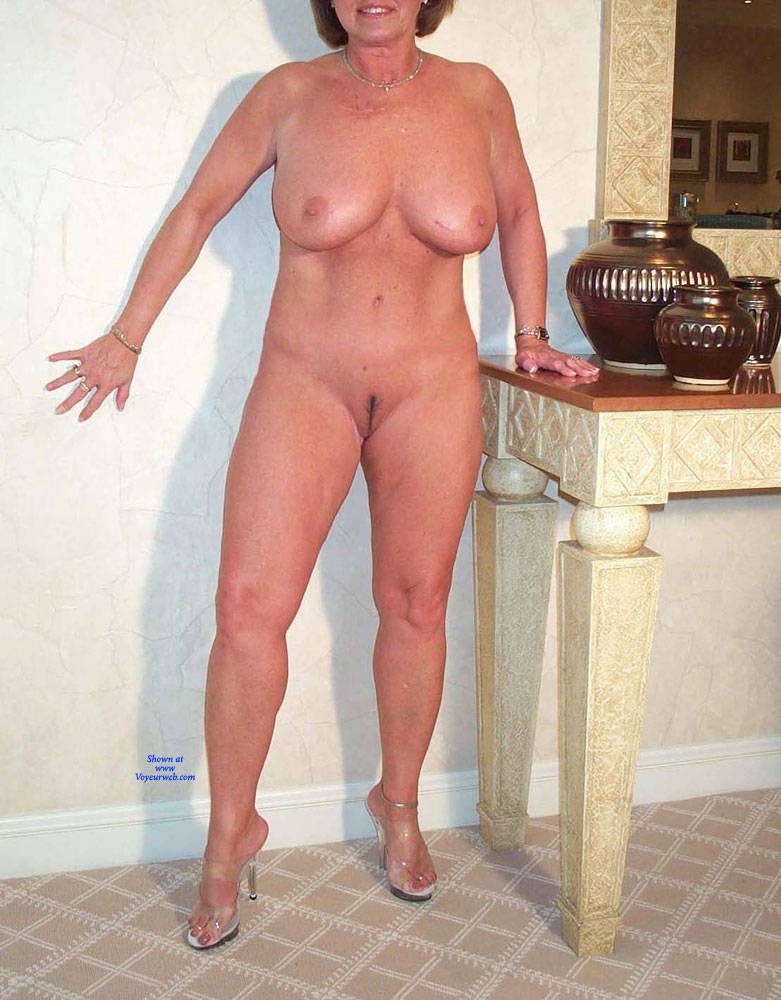 Pic #6 Domino Posing Naked Again - Nude Girls, Big Tits, Mature, Amateur