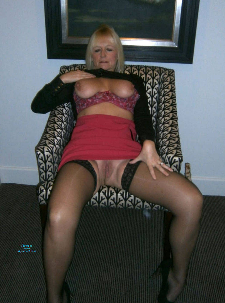Pic #1 Letting My Breasts Feel The Air - Nude Girls, Big Tits, Blonde, Lingerie, Mature, Shaved, Amateur, Stockings Pics