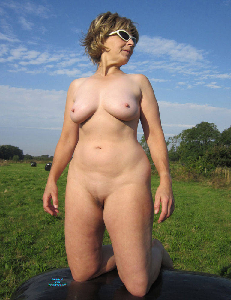 Pic #4 Lady Bee Out In The Country Part 2 - Nude Amateurs, Big Tits, Mature, Outdoors
