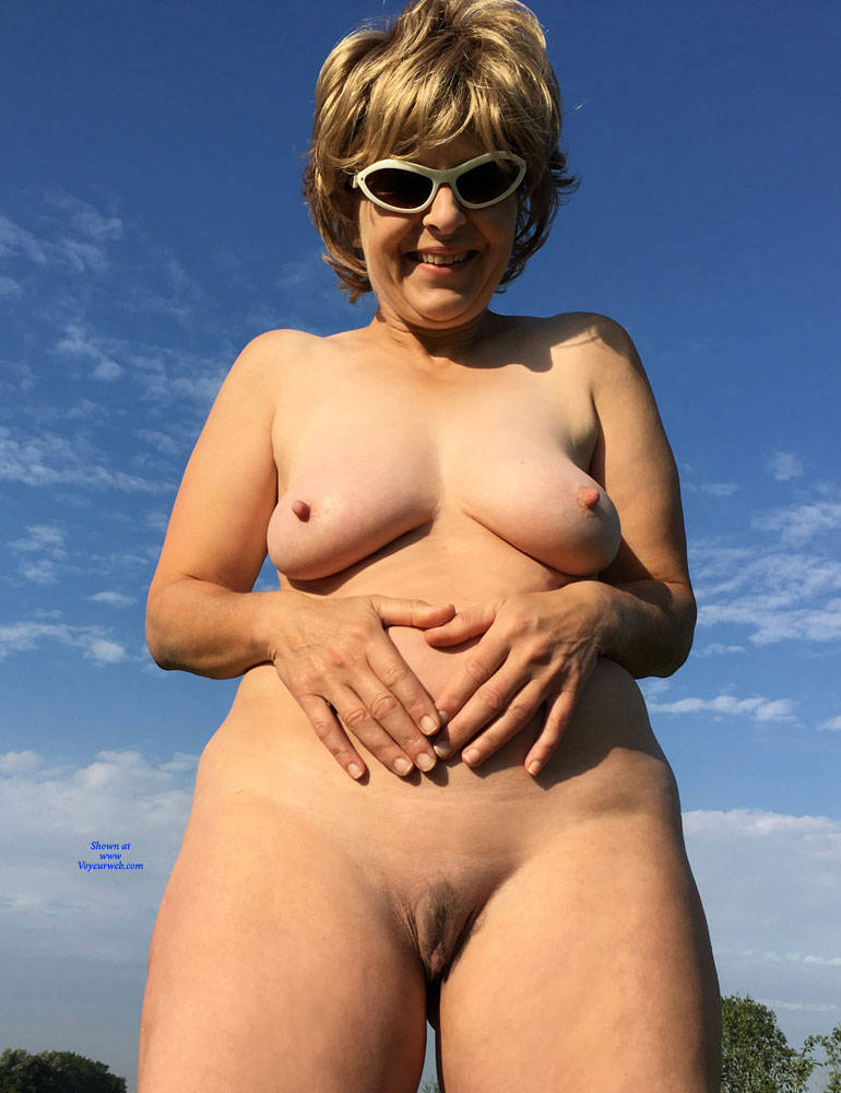 Pic #5 Lady Bee Out In The Country Part 2 - Nude Amateurs, Big Tits, Mature, Outdoors