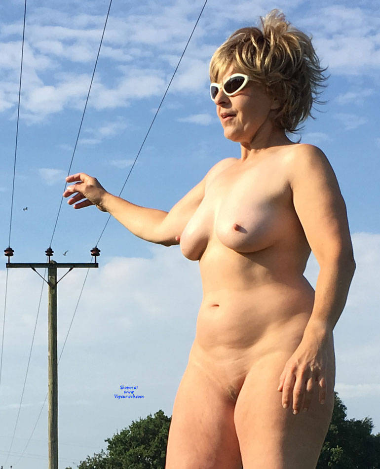 Pic #6 Lady Bee Out In The Country Part 2 - Nude Amateurs, Big Tits, Mature, Outdoors